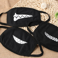 1PC NEW Unisex Cartoon Funny Teeth Mouth Black Cotton Half Face Mask Hot