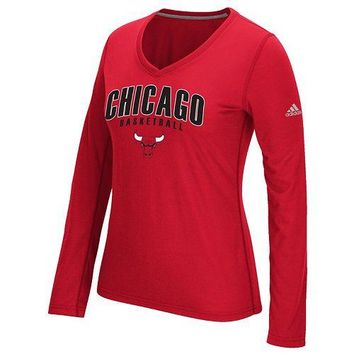 Chicago Bulls Womens Double Arch Outline 2.0 Ultimate Tee