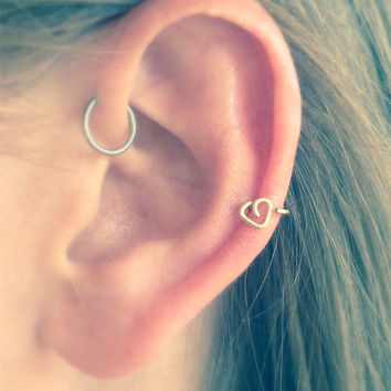 Heart cartilage earring in silver, gold or rose gold in 22 or 20 gauge wire