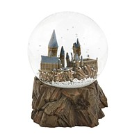 Universal Studios Wizarding World Harry Potter Sculptured Castle Snow Globe New