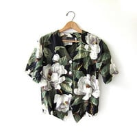 CIJ 25% OFF SALE Vintage floral shirt. Cropped tropical shirt. Button up safari shirt. Short sleeve preppy tee.
