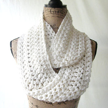 New Crochet Ivory Cream Off White Chunky Infinity Scarf Cowl Neck Warmer
