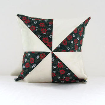Christmas pillow cover, patchwork Christmas cushion, green seasonal pillow cover, quilted patchwork pillow, handmade in the UK