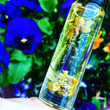 Migraine Oil - Aromatherapy Oil with Tibetan Quartz and Chamomile By BethKaya