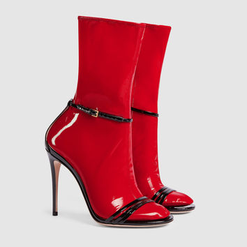 Gucci Sandal with removable latex sock