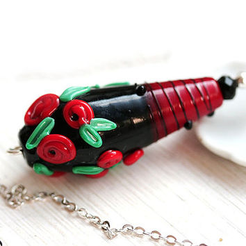 Red rose Necklace, Lampwork Pendant, Red and Black, Flower Jewelry, Red roses, SRA Lampwork Jewelry, Red glass pendant, Red Black Jewelry