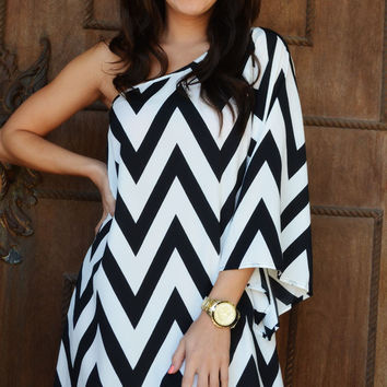 Head Over Heels For Chevron Dress: Black/White | Hope's