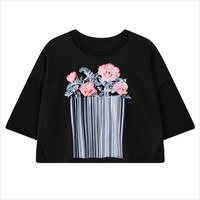 Black Rose Bunch Print Cropped T-Shirt