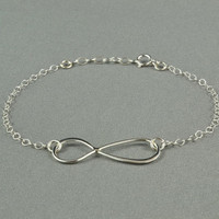 Lovely INFINITY Bracelet, 925 Sterling Silver, Modern, Simple, Pretty, Everyday Wear Jewelry