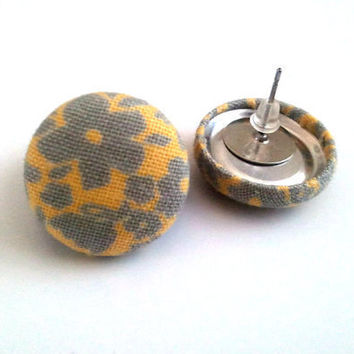 Pastel yellow and grey floral button earrings