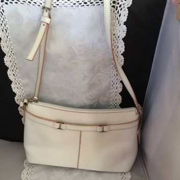#1322 Etienne Aigner off white leather shoulder purse