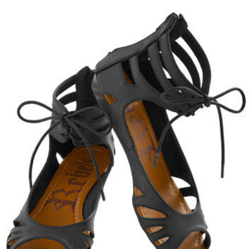 Stand By Your Mangrove Sandal in Black | Mod Retro Vintage Sandals | ModCloth.com