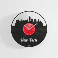 New York city wall clock from upcycled vinyl record (LP) | Hand-made gift for New Yorker | New York city home wall decoration, newcomer gift