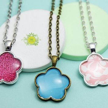 10 FLOWER Pendant Trays kits-25mm Bezel Cabochon Settings-Pendant Trays with GLASS inserts and Chains-DIY Craft Kits for a pendant necklace