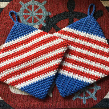 4th of July set of 2 hot holders, hot pads, USA, red, white, blue, handmade, double thick, hand crochet, BBQ, party gift, cotton,party favor