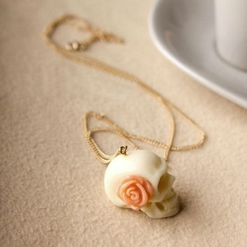 Vintage Rose White Skull Pendant Necklace = 1946284804