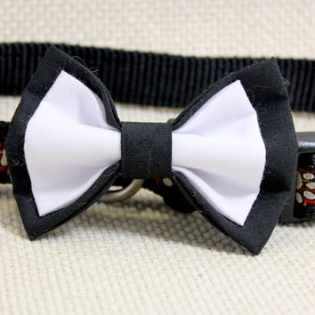 Medium Size Double Dog Bow Tie.  Black and White Cotton Dress Up Puppy Bowtie. Great Pet Jewelry For Your Furry Friend. Special Occasion