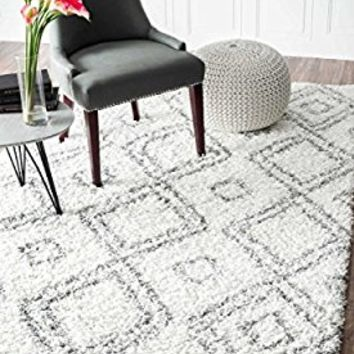 Cozy Soft and Plush Moroccan Trellis/Grey Shag Rug