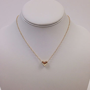 Gold heart necklace / Gold dainty necklace / Gold minimalist necklace / Gold charm necklace