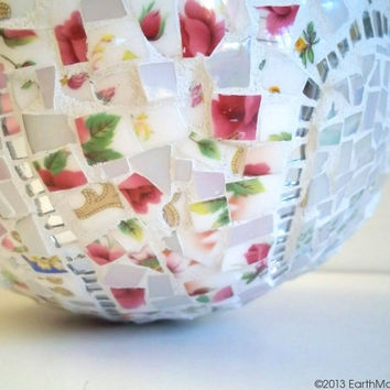 Mosaic Gazing Ball: Pique Assiette, Pink, White, Shabby Chic, Cottage Chic