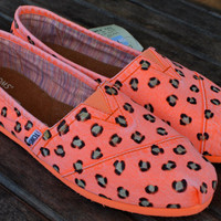 Fluorescent Orange Palmetto Women's Classics Leopard print TOMS