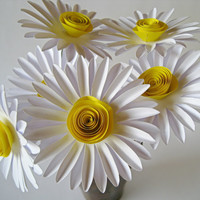 Set of 6 White Paper Daisies, White Paper Flowers, Stem Flower, Yellow Daisy, Paper Wedding Decoration, Eco Wedding Flowers, Centerpiece