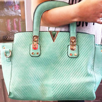 ANY DIRECTION HANDBAG IN MINT