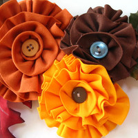 Autumn Flower Brooch with Leaves