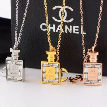 Hot Sale New Arrival Necklace With Diamond-encrusted Perfume Bottle Necklace
