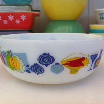 Cute pyrex casserole/ bowl with colourful modernist produce and wine pattern!! ReTrO KiTcHeN!!