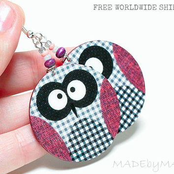 Owl Earrings Checkered  Free WorldWide Shipping dangle Round 2-sided decoupage earrings grey and light plum pink,  gift for her under 25
