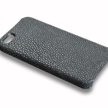 iPhone 5S case - black stingray