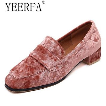 YIERFA Spring autumn British Style loafers Casual Velvet Shoes Woman 2017 Slip On Flats Oxfords Platform Women Shoes Size 35-40
