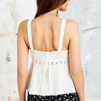 Stone Cold Fox X UO Sleeveless Crochet Top in White - Urban Outfitters