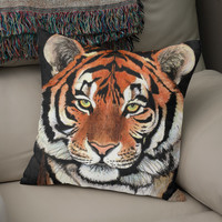 «Tiger portrait», Numbered Edition Coussin by Savousepate - From 25€ - Curioos