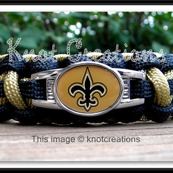 New Orleans Saints Team Paracord Bracelet with an by knotcreations