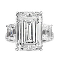 Important 15.02 carats Emerald Cut Diamond Engagement Ring