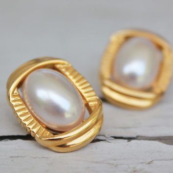 SImple Pearl Gold Earrings, Post Earrings, Wedding Bridal Jewelry