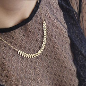 Creative minimalist jewelry, short pieces of metal chain chain necklace