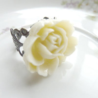 FLOWER ring creamy ivory white rose flower on adjustable filigree vintage base