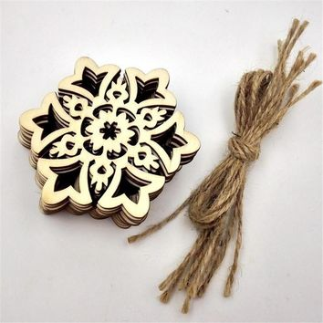 10PCS Carved Wooden Hanging Snowflake Tag Christmas Tree Decoration Gift