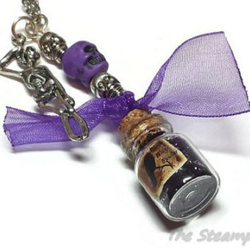 New Orleans Mardi Gras Black Magic Voodoo Powder Necklace, Marie Laveau New Orleans Voodoo Jewelry
