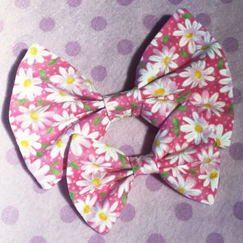 Pink Daisies Bow