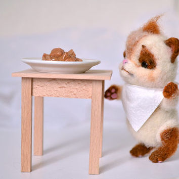 Needle felted cat Lazy pie