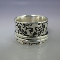 Spinner Ring Etched Sterling with 2 Silver by formandfunktion