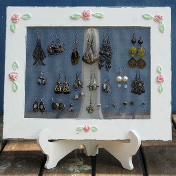 Earring Holder On A Stand / Cream Shabby Chic / 25  by tammnoony