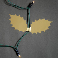 Cable Holly Leaves