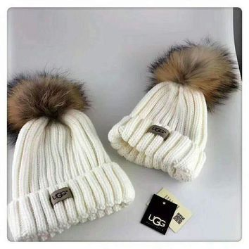 PEAPJ1A UGG Autumn and winter leisure wild knit hair ball wool cap parent-child cap White