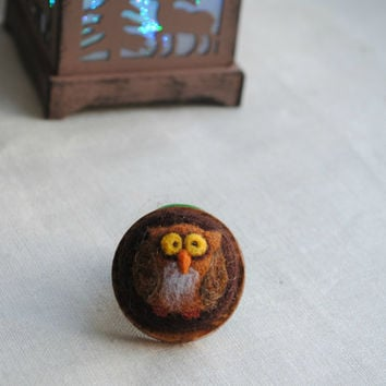 Owl brooch, owl jewelry, needle felted owl brooch, wool wood brown brooch, eco jewelry, felt brooch, gift idea