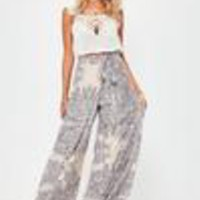 Missguided - Cream Porcelain Print Wide Leg Pants